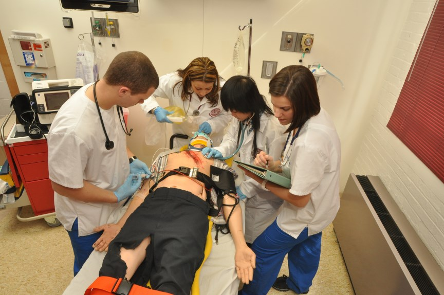 Health students practice their skills in the SIMS Center.